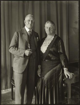 Sir Charles Henry Collett, 1st Bt; Lilian Louisa (née Ionn), Lady Collett
