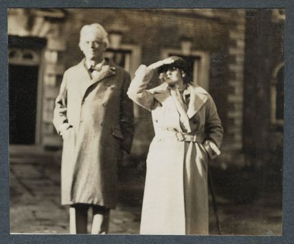 W.B. Yeats; Dorothy Violet Wellesley (née Ashton), Duchess of Wellington