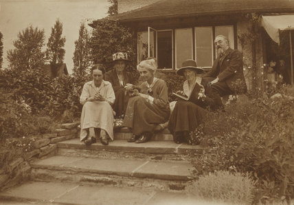 Beatrice Webb; Sidney James Webb, Baron Passfield with three others