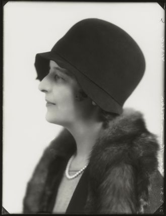 Isabella (née Nairn), Lady Thomson-Walker