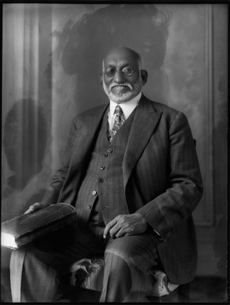 Sir Akbar Hydari