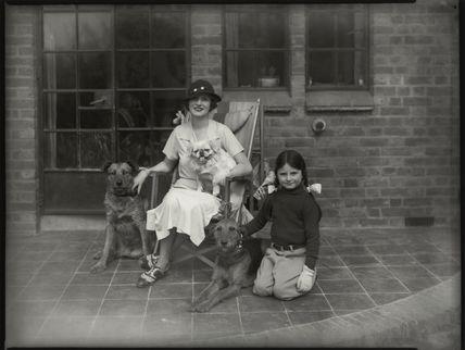 Olive Blakeney (Mrs Bernard Nedell); Betty Lou Lydon (née Nedell)