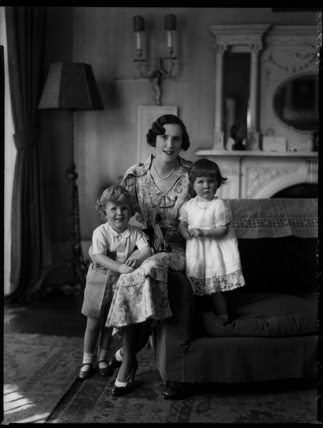 Hon. Mrs Hamilton-Russell and children