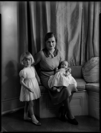 Hon. Mary Cecilia McNair Scott (née Berry) and children