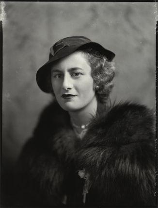 Cynthia Mary (née Brookes), Lady Smith