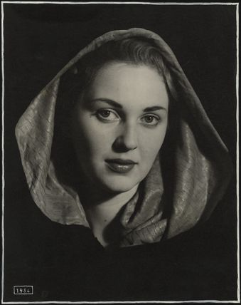 Katie Boyle (Caterina Irene Elena Maria Imperiali di Francavilla)