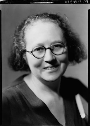 (Margaret) Leonora Eyles (née Pitcairn) (Mrs D.L. Murray)