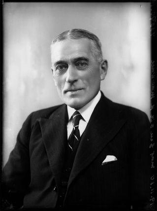 Sir (Robert) Charles MacWatt