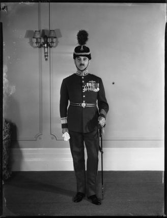 Sir (Alfred) Guy Roland Garrod