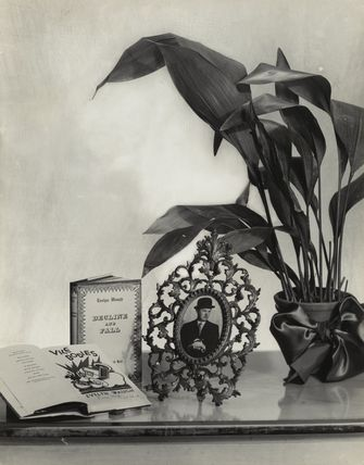 Evelyn Waugh still life composition