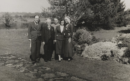 Sidney James Webb, Baron Passfield; Beatrice Webb with three others