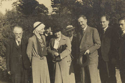 Sidney James Webb, Baron Passfield; Beatrice Webb with others