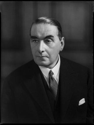 Sir Maurice Linford Gwyer