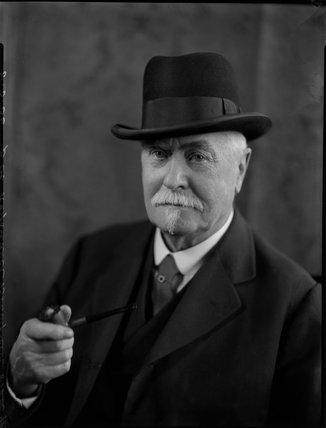 Sir Reginald Theodore Blomfield