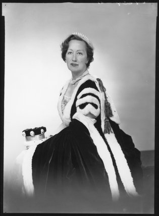 Zaida Cecile Watson-Armstrong (née Drummond-Wolff), Lady Armstrong