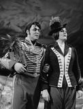 Joan Sutherland and Luciano Pavarotti in Donizetti's La Fille du Regiment