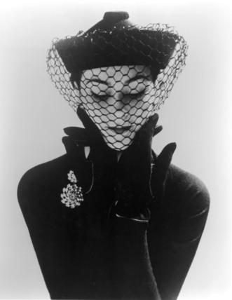 Felt and velvet mandarin hat with veil