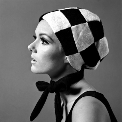 Black and white checked bonnet