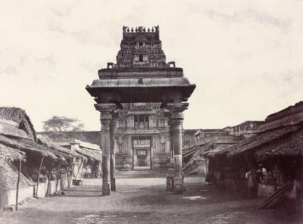 A small four pillared Mundapum inside the Second Gopuram, by Linnaeus Tripe