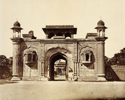 Ram Bagh Gateway, photo Felice Beato