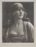 Portrait of a woman, 1918.
