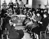 Women knitting as part of the WWII war effo