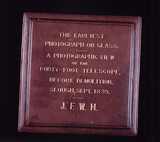 Case for glass negative by John Herschel, 1839.