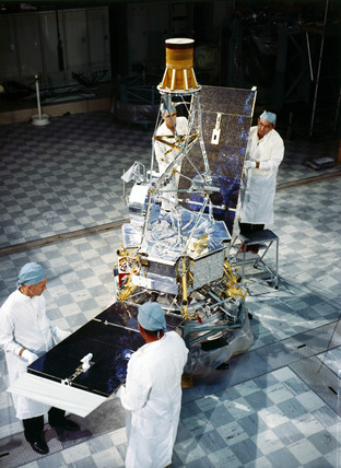 Mariner 2 spacecraft pre-launch, 1962.