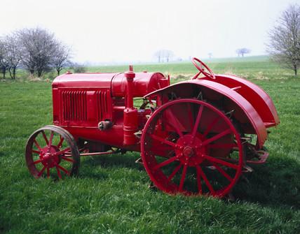 International Harvester 22/36 tractor, 1931.