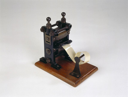 Darling 35mm film perforator, 1898-1900.
