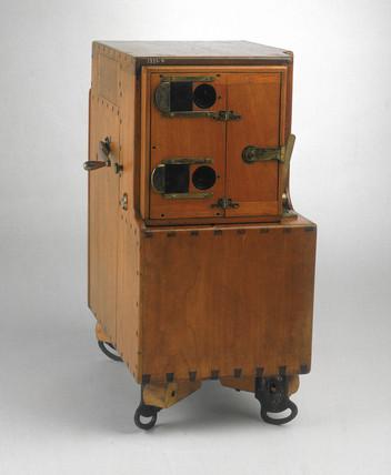 Le Prince single-lens cine camera-projector, 1888.