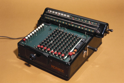 Monroe's 'Full Automatic' calculating machine, 1922.