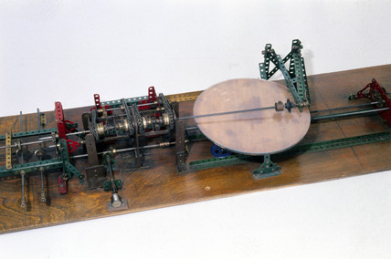 Hartree differential analyser, 1934.