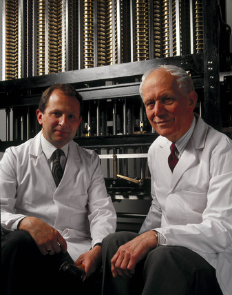 Reg Crick and Barrie Holloway with Babbage's Difference Engine No 2.