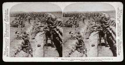 'Royal Munster Fusiliers fighting, Honey Nest Kloof Battery, South Africa', 1900.