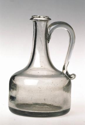 Glas decanter, c 1710.