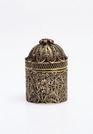 Silver gilt pomander, 1700-1800.
