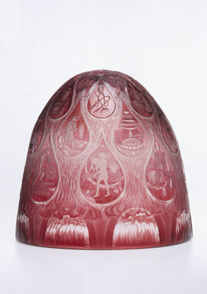 Engraved dome with scenes from the history of glas making, 1988.