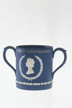 Silver Jubilee jasperware mug, c 1977.
