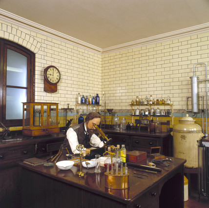 An 1890s laboratory, Chemistry Gallery, Science Museum, London, 1992.