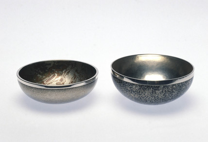 Maundy bowl (left) and oil-spot patterned bowl (right), 1996.