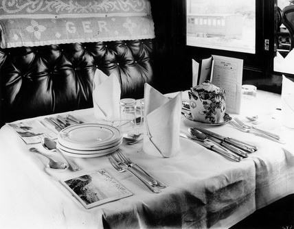 GER First Clas dining car, 1912.