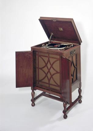 HMV electric gramophone, 1929.