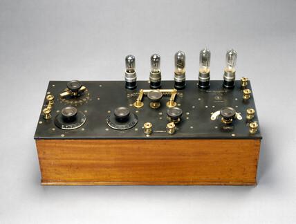 5-valve R1 Radio receiver, 1922.