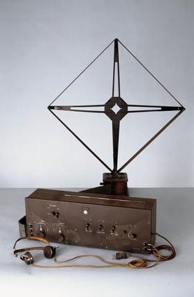 Western Electric 7-valve 'superhet' heterodyne radio receiver, 1924.