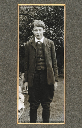 George Paget Thomson as a young man, c 1909.