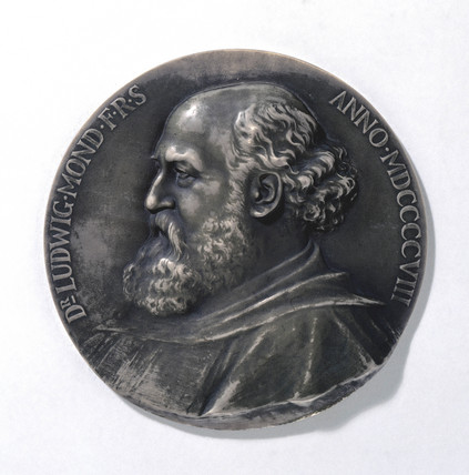 Medal depicting Ludwig Mond, industrial chemist, 1908.