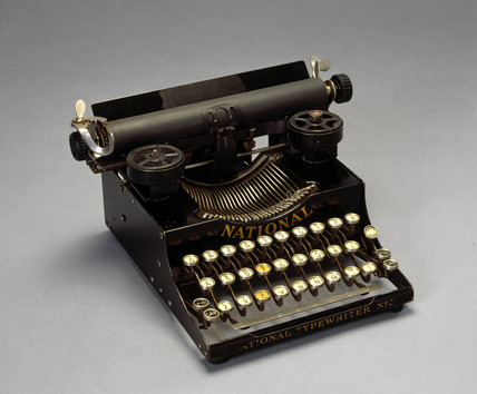 'National' portable typewriter No 5, 1916.