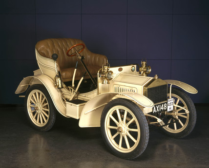 Rolls-Royce 10hp motor car, 1905 (Science Museum / Science & Society)