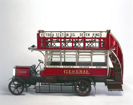 LGOC B-type motor omnibus (credit: Science Museum / Science & Society)